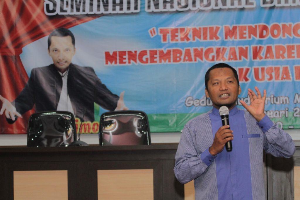 Berikan Tips Mendongeng, Prodi PG PAUD Datangkan Master Dongeng Nasional